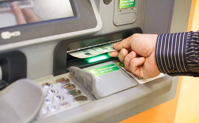 Сналить деньги из банкомата набором кода стало труднее