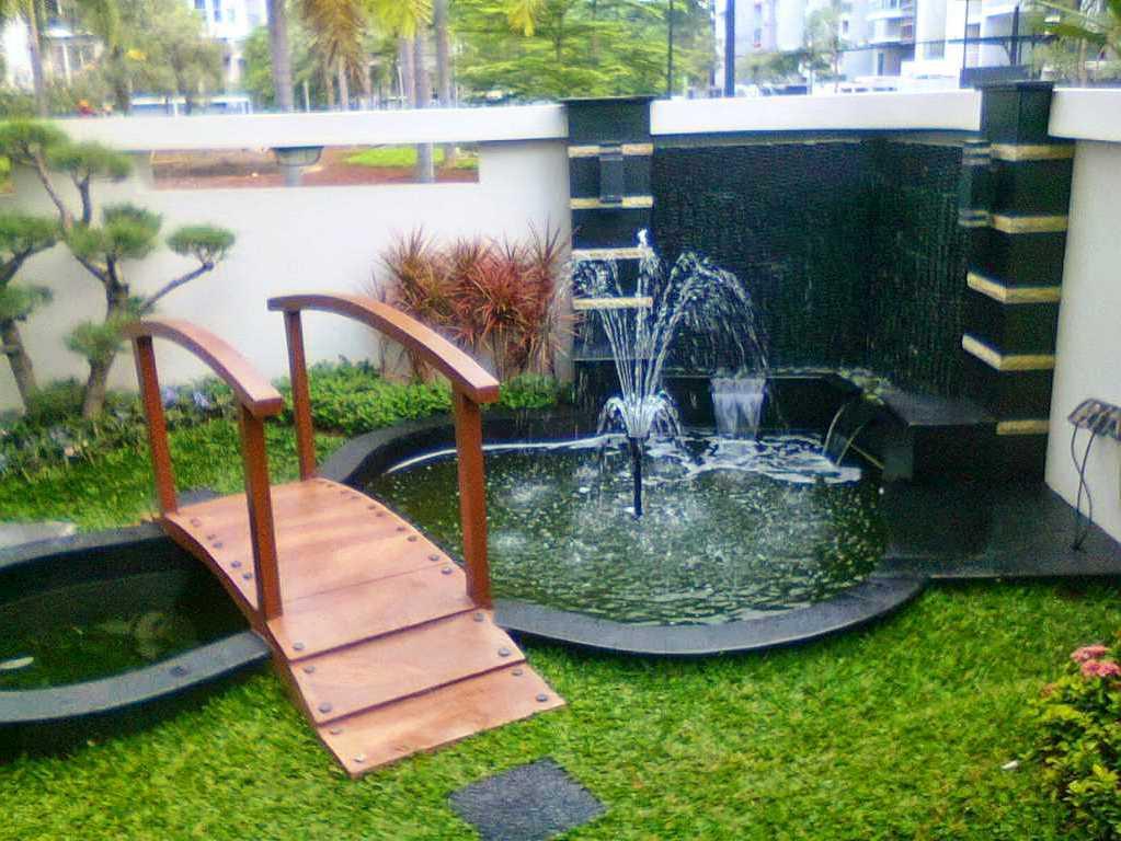 35 taman minimalis dengan kolam ikan terbaik di depan