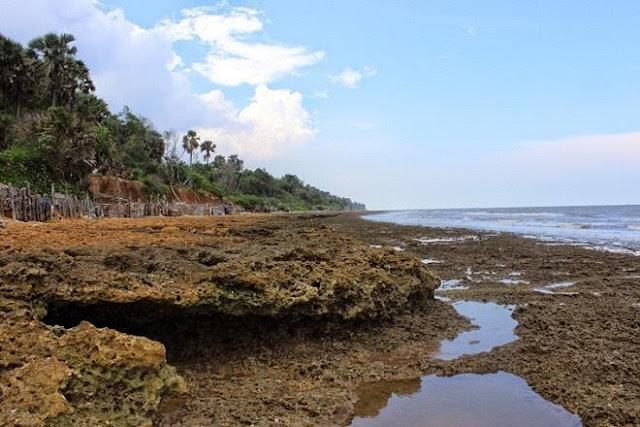 Pantai Batu Kerbuy Madura