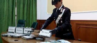 Sequestro carabinieri napoli droga