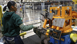 Productivity Declines For Third Straight Quarter