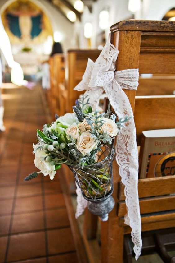 Wystrój kościoła na ślub, Dekoracje kościoła na ślub, Dekoracje ślubne w Kościele, Dekoracje ślubu w kościele, Oprawa florystyczna kościoła, ślub kościelny dekoracje,