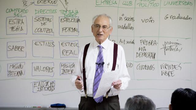 """Un profesor lo dice claro: """"Si no te diviertes enseñando, dedícate a otra cosa"""""""