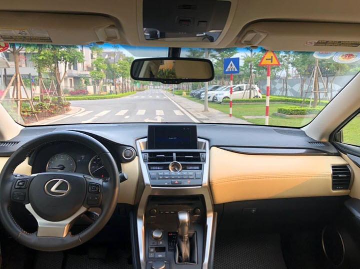 Lexus NX 200t đời 2014 rao bán giá ngang ngửa với Mercedes-Benz GLC mới