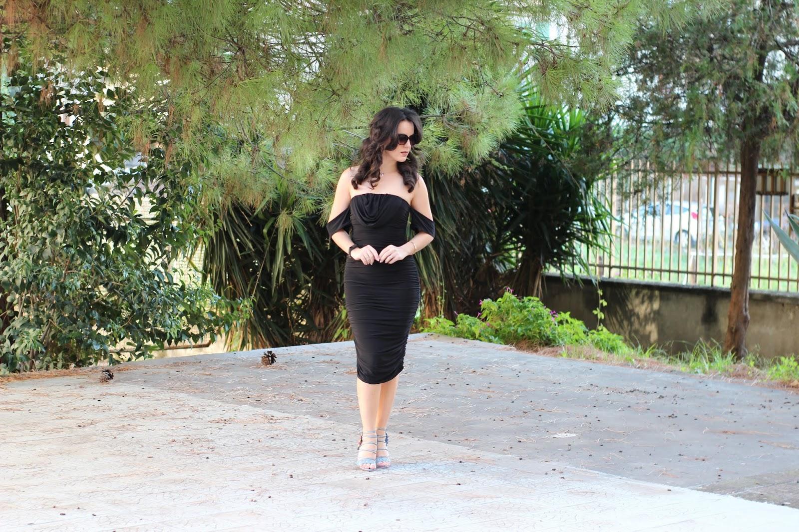 abito aderente lungo Kim Kardashian Ottobre 2019