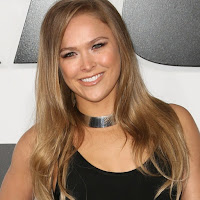 Ronda Rousey Gets Her Cast Off (Video)