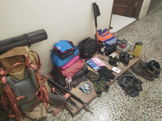 Packing - MOMEN MENYENANGKAN SAAT MENDAKI GUNUNG