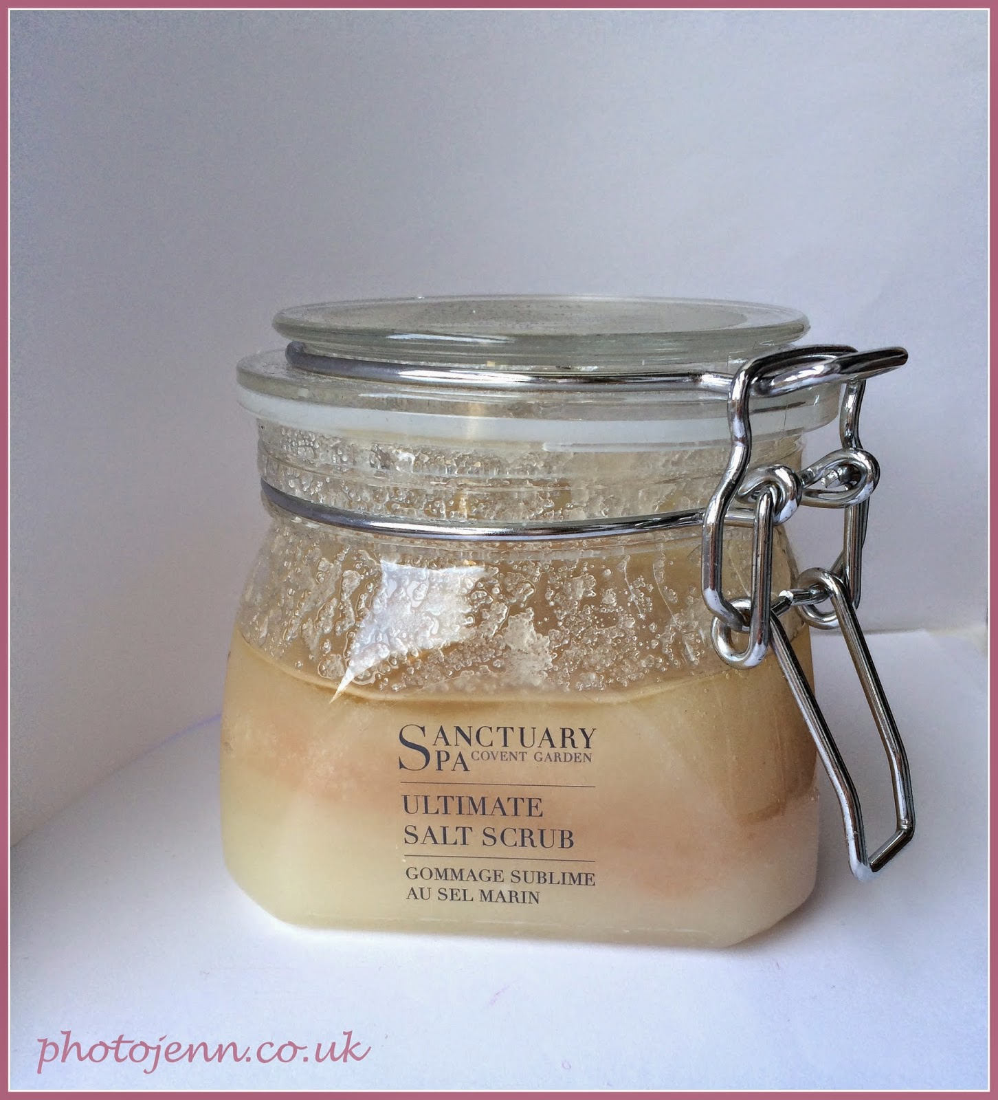 sanctuary-spa-ultimate-salt-scrub-review