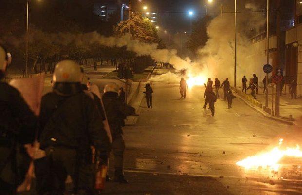 """Τζιχαντιστές """"Αντιεξουσιαστές"""" από όλη την Ευρώπη μαζεύονται στο Πολυτεχνείο- Συνελήφθη 22χρονος Γάλλος που έσπαγε κάμερες"""