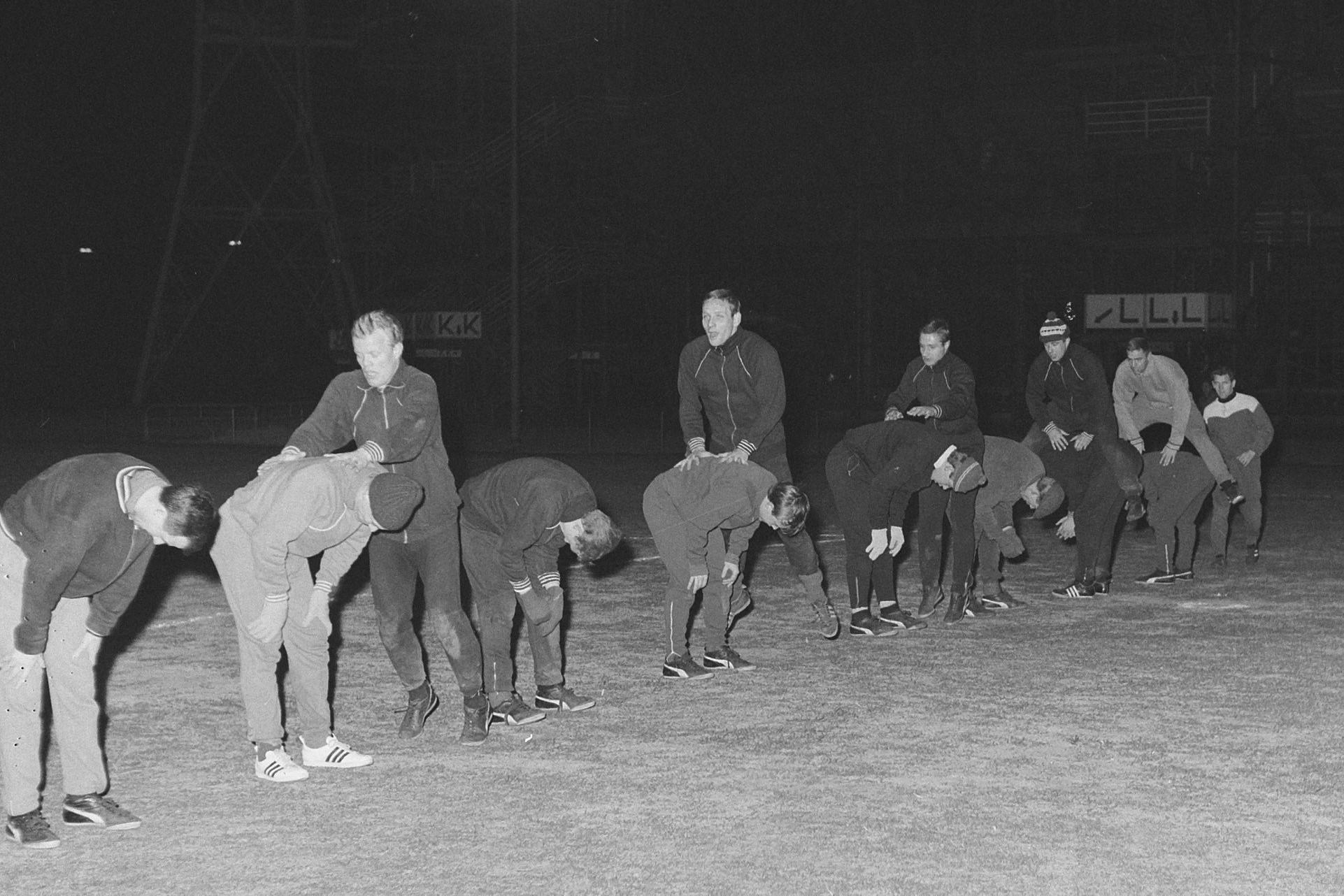 Haasje-over tijdens een training van Feyenoord