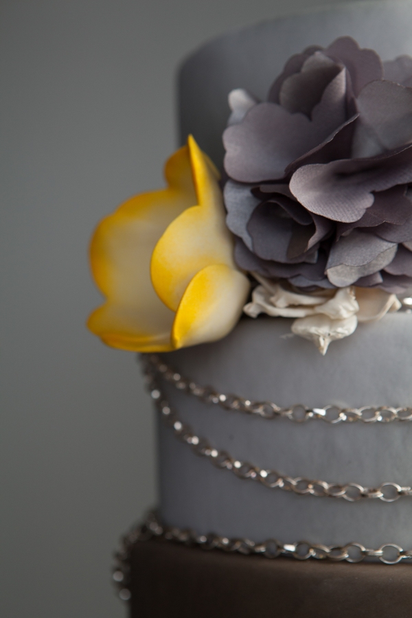 steampunk+yellow+gear+gears+grey+gray+white+rustic+woodland+modern+hipster+unique+centerpiece+cake+wedding+bride+bridal+gown+dress+boutonniere+brian+macstay+photography+11 - Modern Industrial