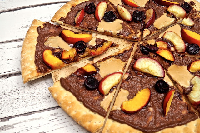 chocolate and nectarine pizza