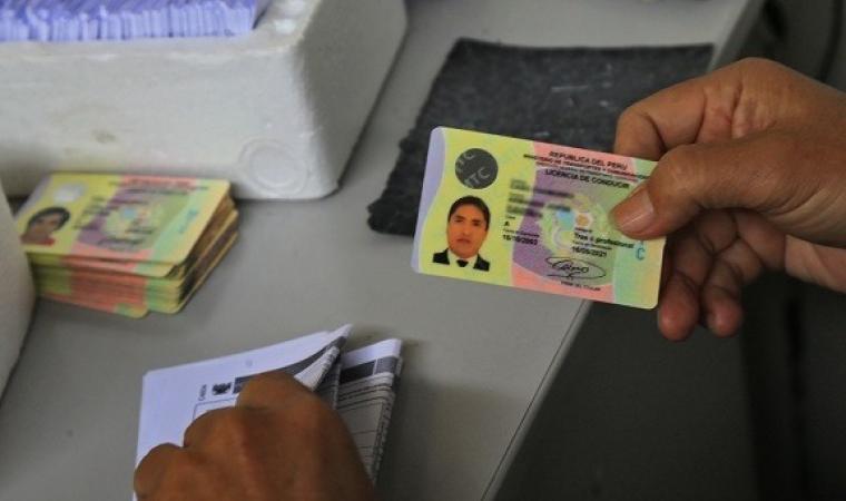 Obtener primera licencia de conducir (brevete)