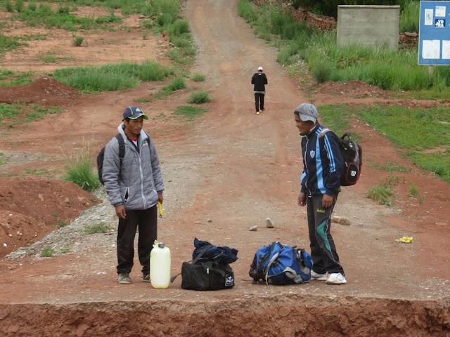 Kapellenarbeiter auf dem Weg nach Casa Grande