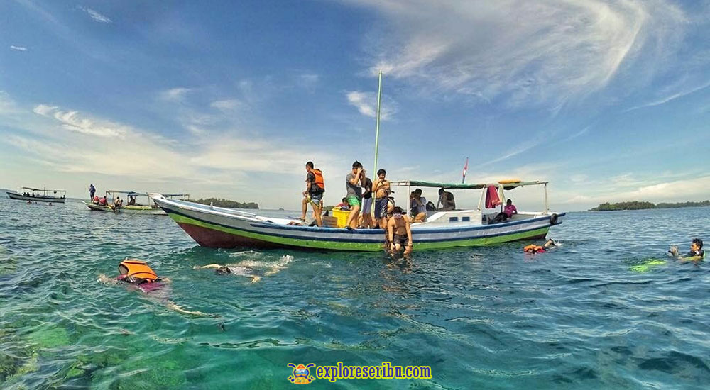 perahu jelajah pulau harapan