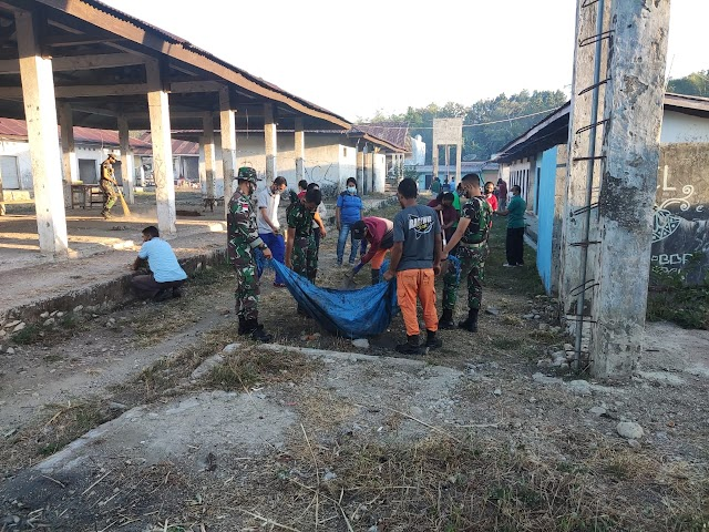 Satgas Pamtas Sektor Timur Gotong Royong Bersama Instansi Pemda Belu.