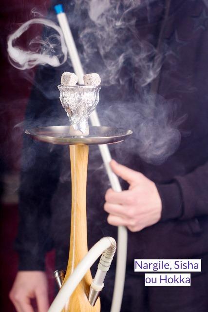 A experiência de fumar um narguile na Turquia