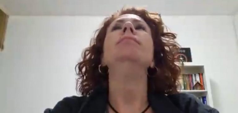 Cobrança de propina sobre vacina deixa bolsonaristas atordoados; Zambelli pede orações