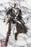 S.H. Figuarts The Mandalorian (Beskar Armor) 63
