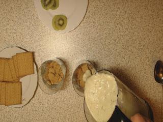 końcowe przygotowanie deseru z kiwi 1