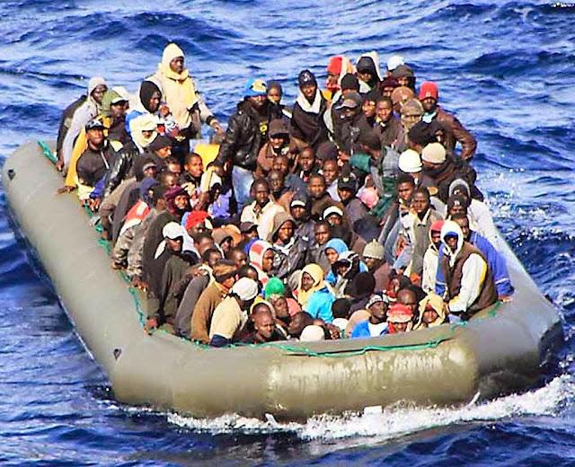 A ocorrência se deu numa barca inflável como a da foto