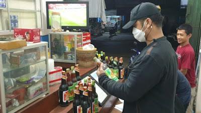 Berkedok Toko Jamu, Polsek Serang Temukan Puluhan Botol Miras