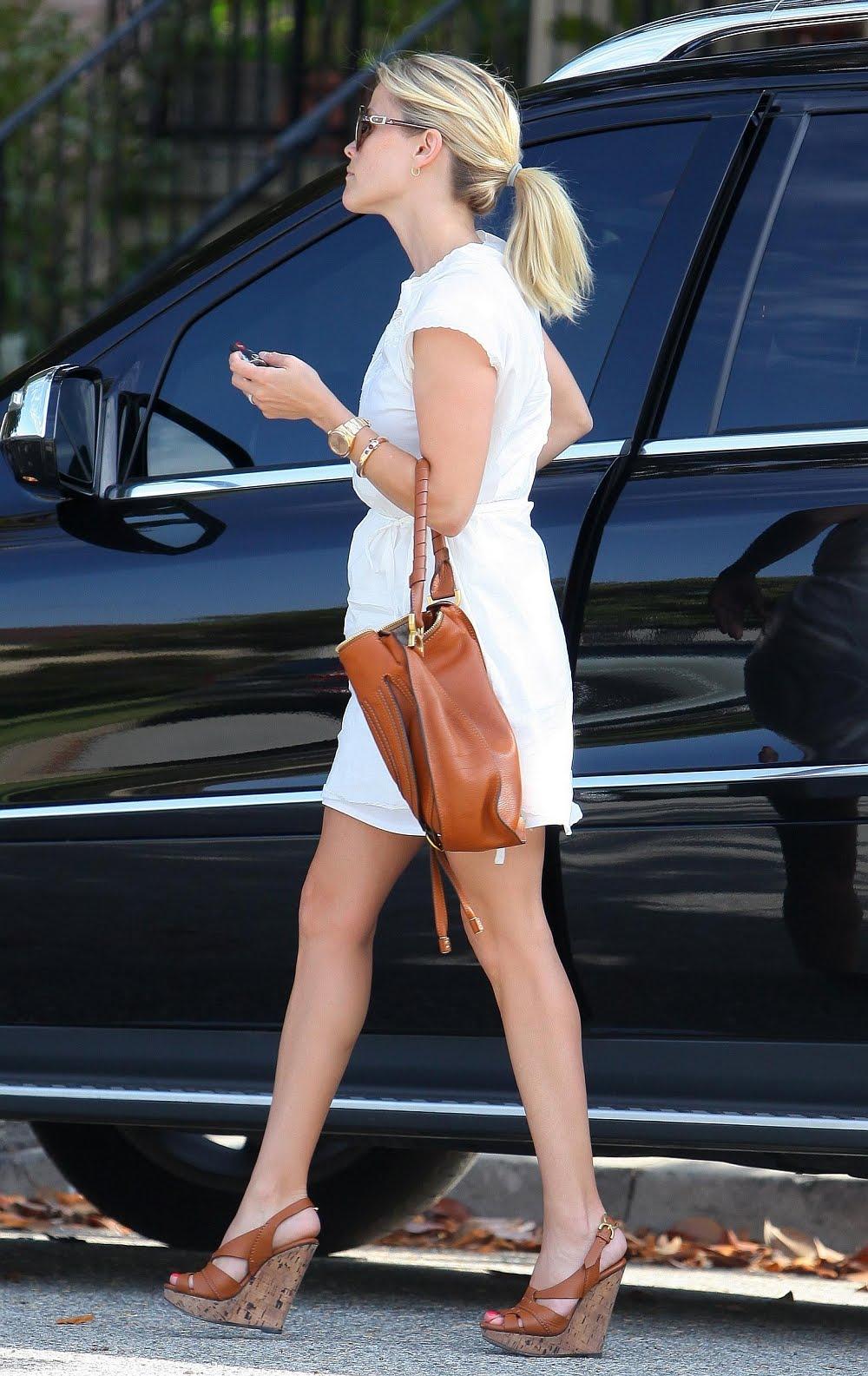 Best Celebrity Legs: Reese Witherspoon Has Beautiful Legs