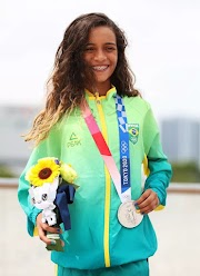 Maranhense de Imperatriz Rayssa Leal, a Fadinha, faz história e é prata no skate street nas Olimpíadas