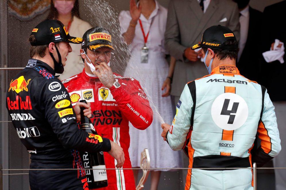 Sainz diz que não sabe quando provará o champanhe da próxima vez com a Ferrari