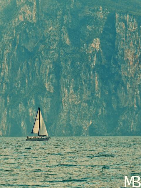 lago di garda barca a vela