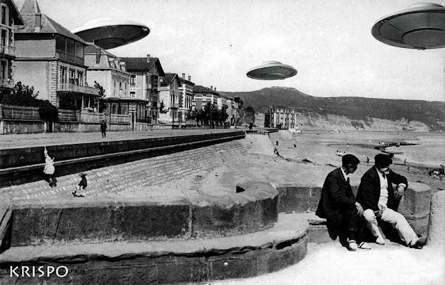foto antigua de tres ovnis sobrevolando la playa y el paseo butron de hondarribia