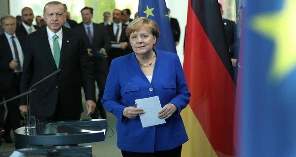 Η Μέρκελ τορπίλισε το Ελληνογαλλικό Αμυντικό Σύμφωνο