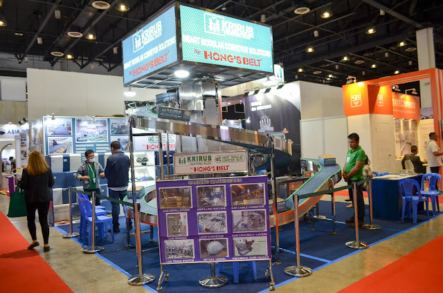Hong's Belt exhibit booth