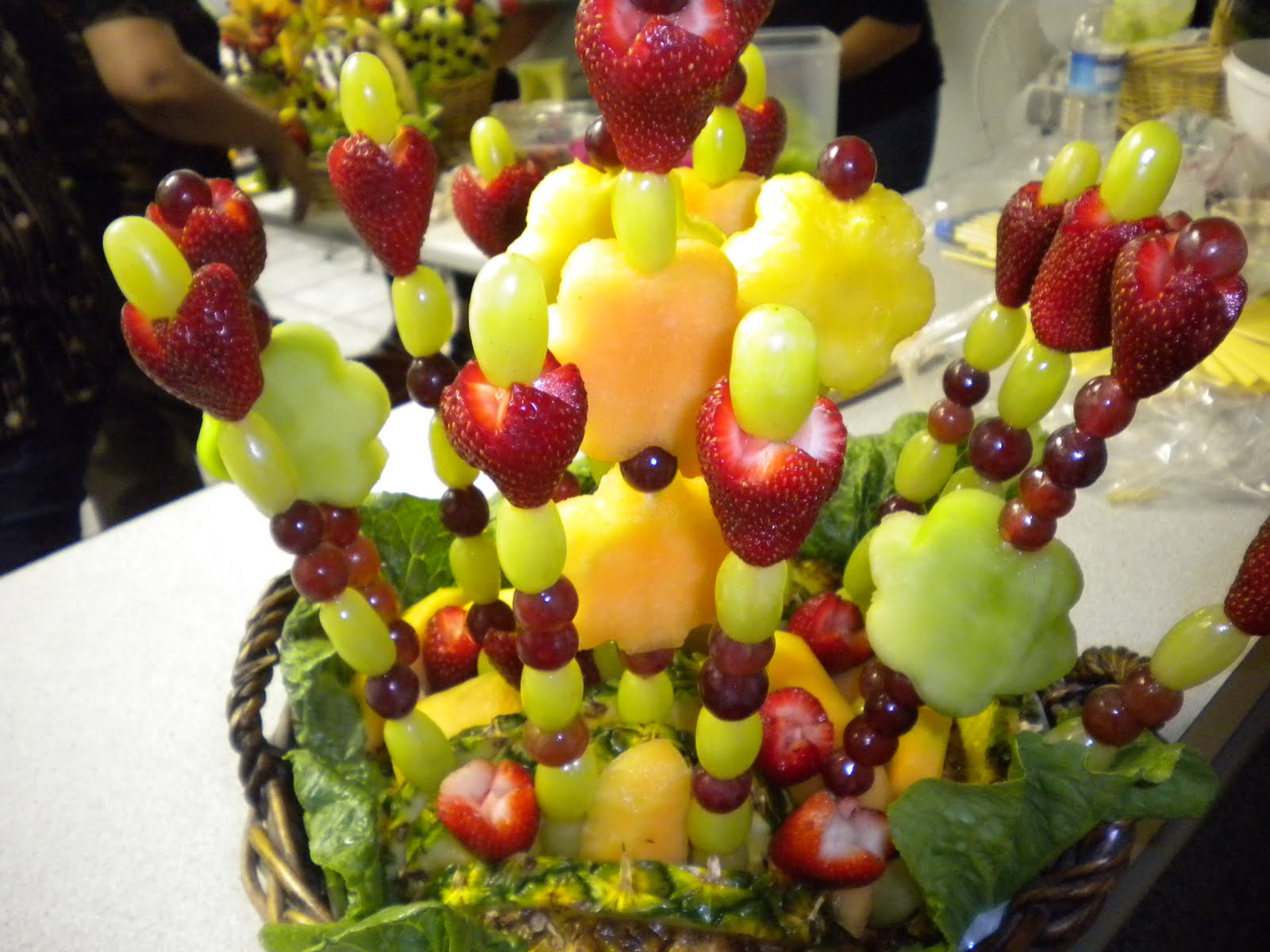 Creatividades latinas arreglos frutales - Adornos de frutas para mesas ...