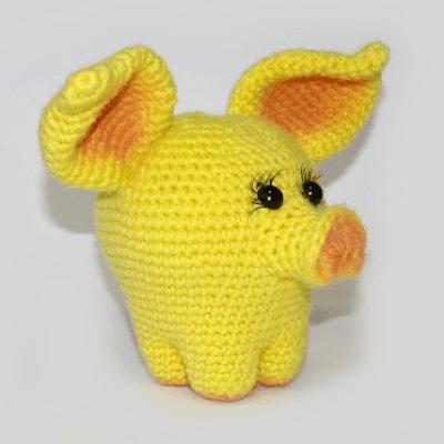 Желтая свинка амигуруми