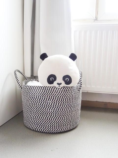 Lastenhuone, sisustaminen, vaippasäilytys, panda, H&M Home