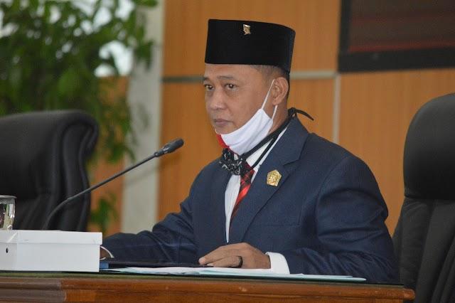 HUT ke 75 RI, Ketua DPRD Bacakan Puisi Nasionalisme