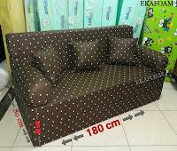 Sofa bed inoac no 1 saat difungsikan sebagai sofa