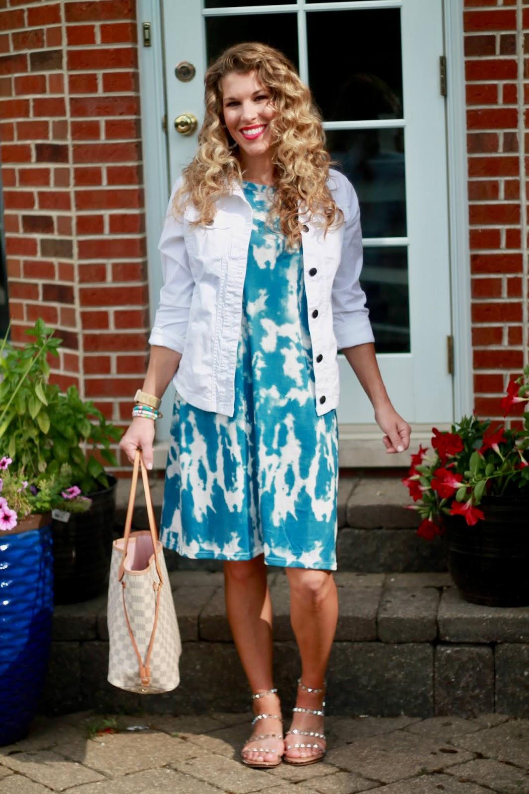 blue tie dye dress, white denim jacket, casual summer outfit, summer fashion, summer dress, steve madden travel sandals