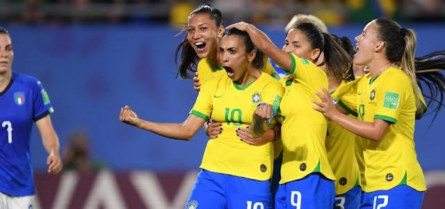 Com gol de Marta, Brasil bate a Itália e avança na Copa do Mundo