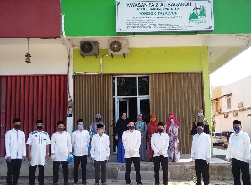 Yayasan Faiz Al Baqarah Tiban Batam Sosialisasi Obat Penawar Virus Corona dan Berbagi Sembako ke Masyarakat