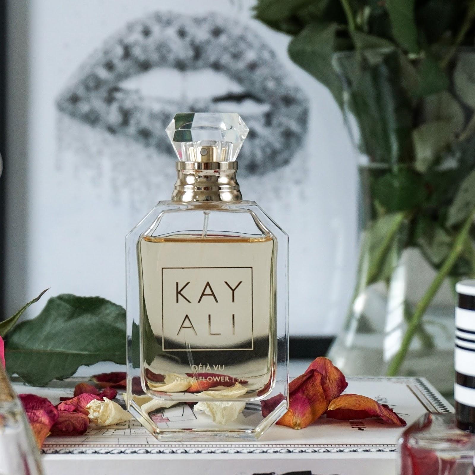Kayali Deja Vu White Flower