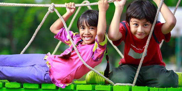 Membiasakan Anak Melakukan Kegiatan Bersama Keluarga untuk Kecerdasan Kelak
