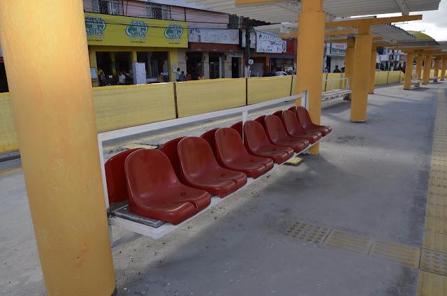 Alagoinhas: Prefeitura gera economia de R$ 34 mil com reaproveitamento de cadeiras, na reforma do Terminal Urbano
