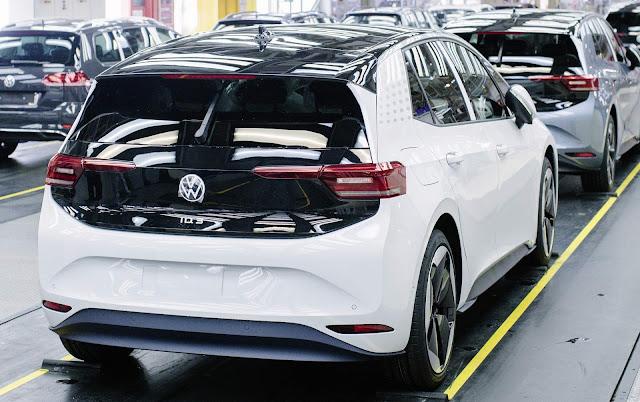 VW ID.3: entregas começam em setembro, com algumas funções digitais desativadas