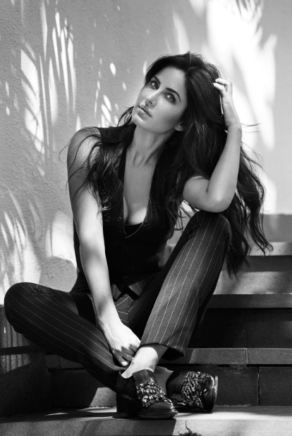 Katrina Kaif's awesome sexy legs + other Hot HQ pics!!!