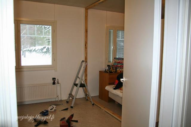 huone ennen remontointia