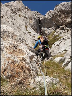 Escalando la Grieta Sur Este a la Torre de Altaiz, Picos de Europa
