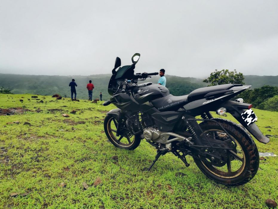 Biking riding-India's most famous Adventures Tourist Destination