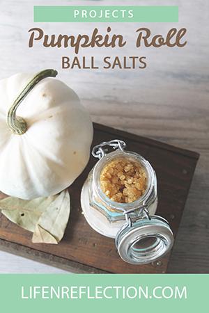 http://life-n-reflection.blogspot.com/2016/10/pumpkin-roll-bath-salts.html